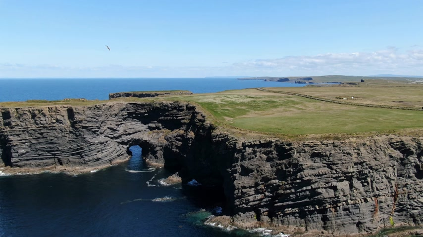 erosão : Beautiful Kilkee Cliffs at the west coast of Ireland