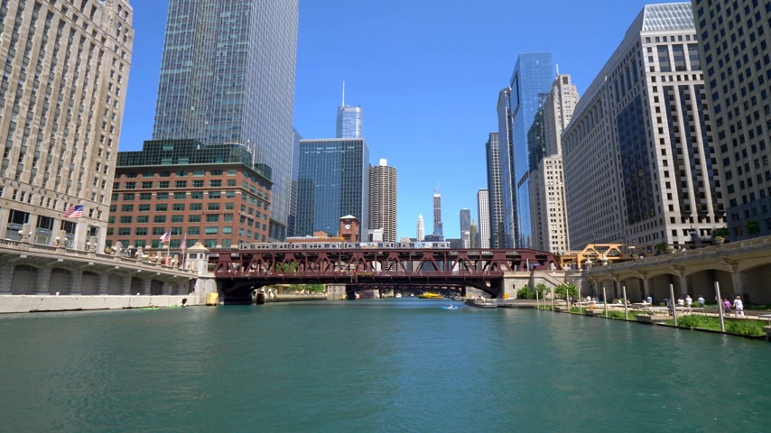 ミシガン州 : Architecture at Chicago River