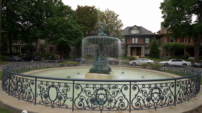 derby : Beautiful fountain in Old Louisville Stock Footage