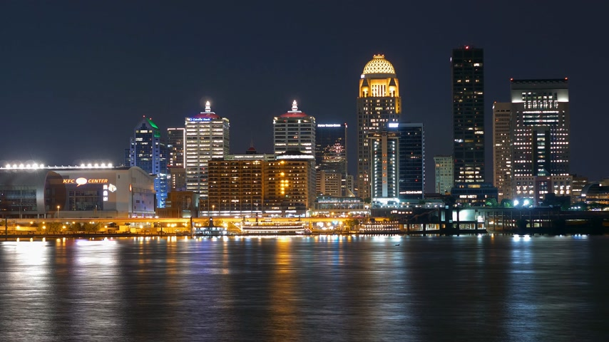 derby : Time lapse shot of the Skyline of Louisville by night