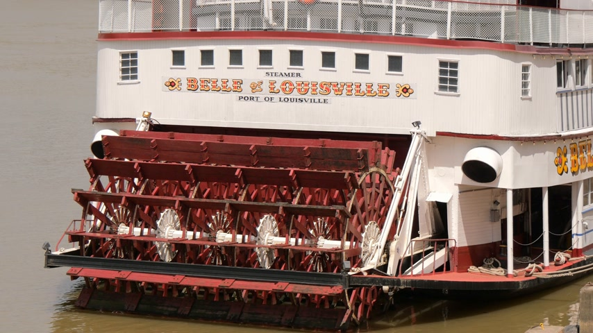 parník : Belle of Louisville paddle wheel steamer - LOUISVILLE, USA - JUNE 15, 2019 Dostupné videozáznamy