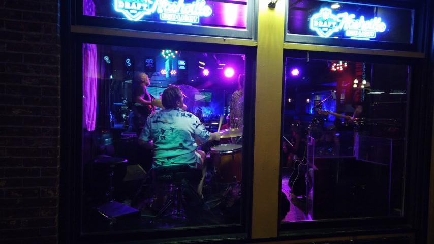 brodway : Live music in the pubs and saloons at Nashville Broadway - NASHVILLE, USA - JUNE 16, 2019