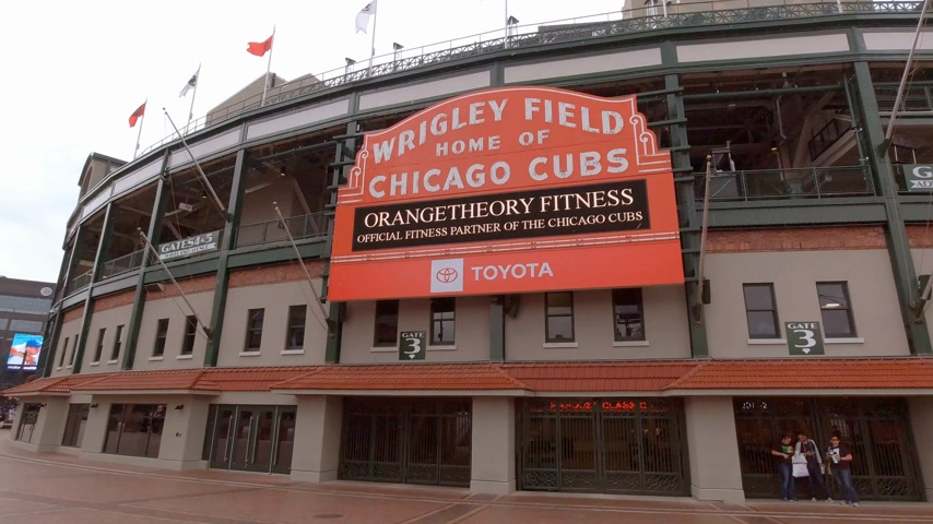 ミシガン州 : Wrigley Field in Chicago - home of the Chicago Cubs - CHICAGO, USA - JUNE 12, 2019 動画素材