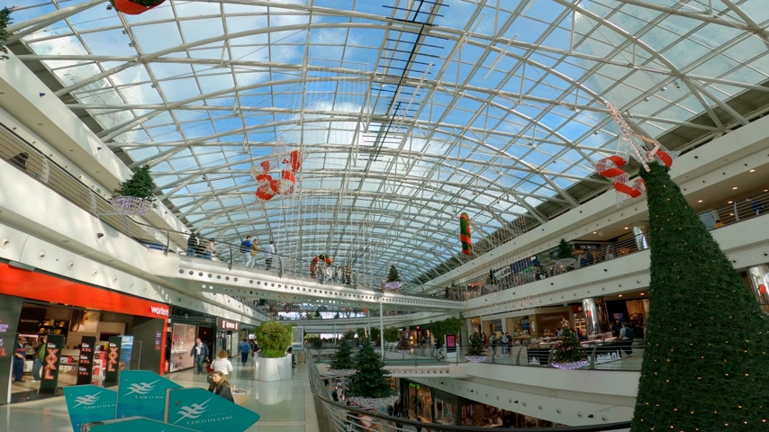 uliczka : Vasco da Gama shopping center in Lisbon - CITY OF LISBON, PORTUGAL - NOVEMBER 5, 2019