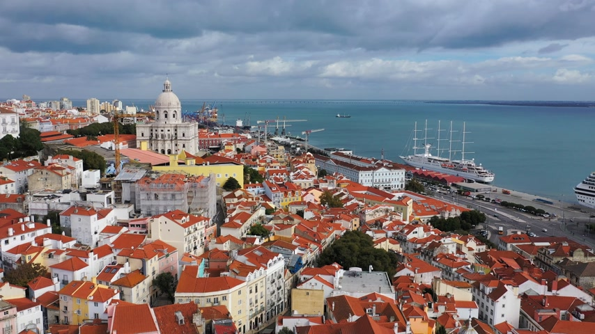 alfama : Amazing Alfama in the historic district of Lisbon from above