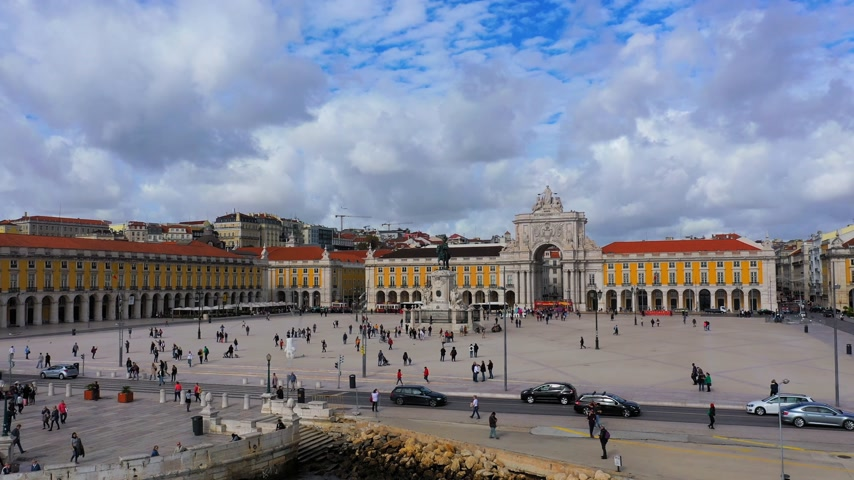lizbona : Commerce Square Lisbon called Praca do Comercio from above - the central square in the city