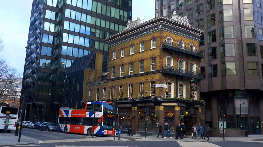 turistická atrakce : Albert Pub at Victoria Street London - LONDON, ENGLAND - DECEMBER 10, 2019