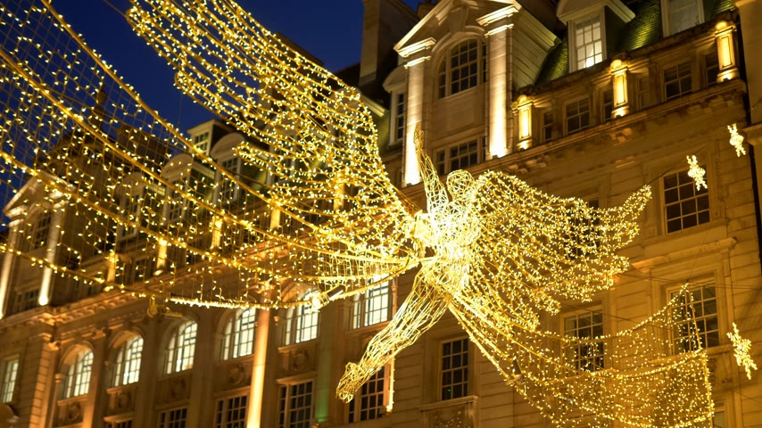 britânico : thousands of lights in the streets of London at Christmas time - LONDON, ENGLAND - DECEMBER 10, 2019