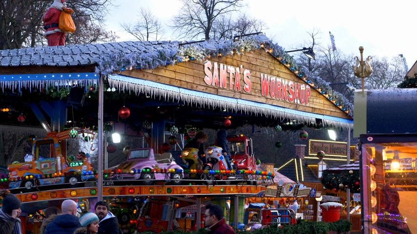 paese delle meraviglie : Winter wonderland Christmas fair in London Hyde Park - LONDRA, INGHILTERRA - 11 DICEMBRE 2019