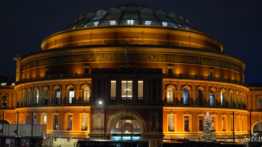 városháza : Royal Albert hall in London - LONDON, ENGLAND - DECEMBER 11, 2019