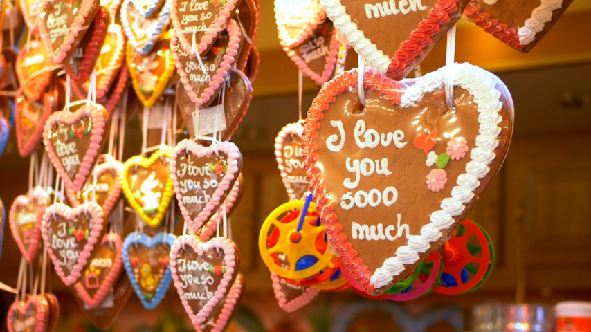 alışveriş : Gingerbread hearts I love you so much Stok Video