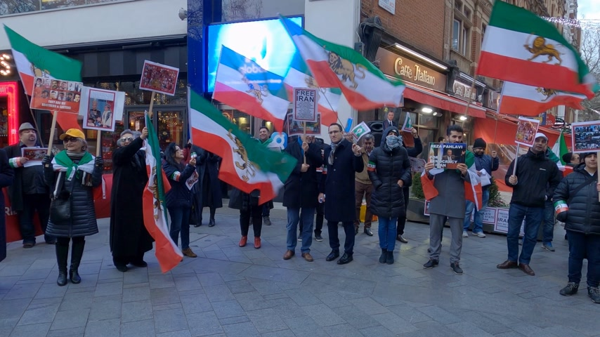 ралли : Political rally in London about Iran - LONDON, ENGLAND - DECEMBER 10, 2019 Стоковые видеозаписи