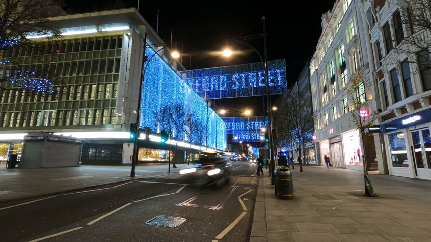 londýn : Christmas at Oxford Street - time lapse shot - LONDON, ENGLAND - DECEMBER 10, 2019