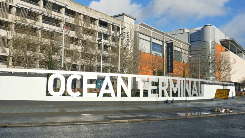 local de interesse : Ocean Terminal in Edinburgh Leith - EDINBURGH, SCOTLAND - JANUARY 10, 2020 Stock Footage