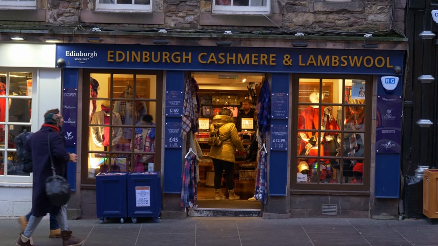 built structure : Edinburgh Cashmere and Lambswool store in Edinburgh - EDINBURGH, SCOTLAND - JANUARY 10, 2020