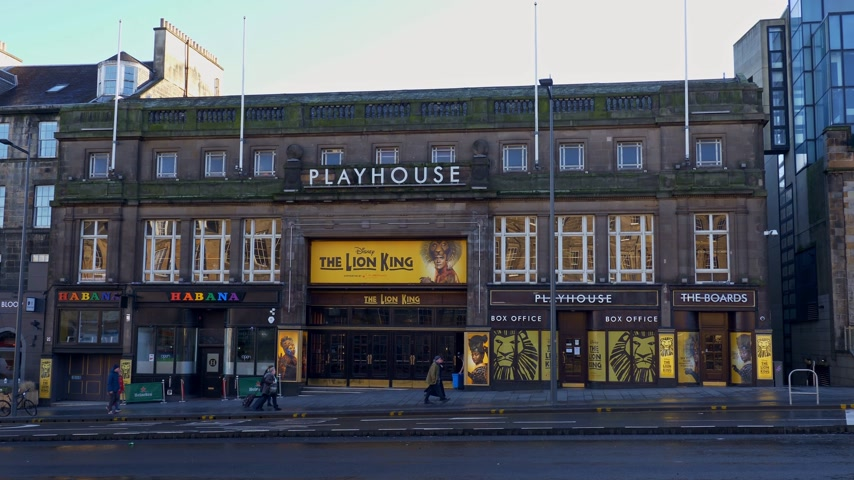 ilgi yeri : The Lion King Musical at Playhouse Edinburgh - EDINBURGH, SCOTLAND - JANUARY 10, 2020 Stok Video