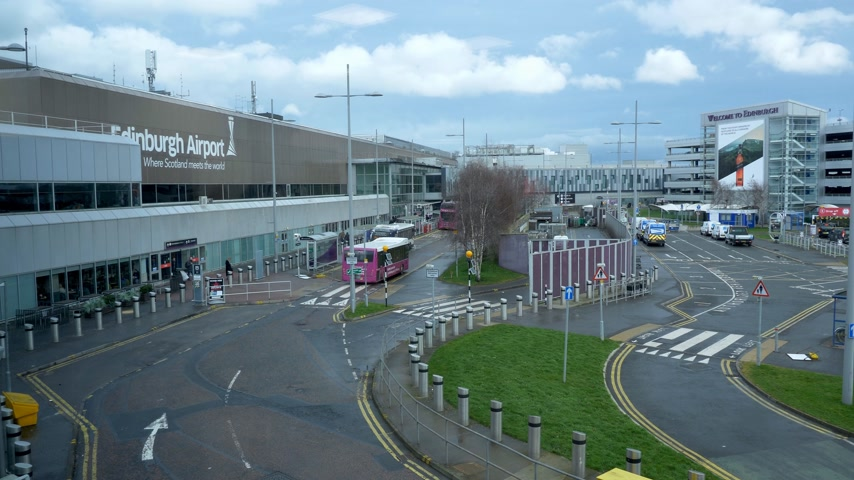 local de interesse : Edinburgh Airport - wide angle view - EDINBURGH, SCOTLAND - JANUARY 10, 2020
