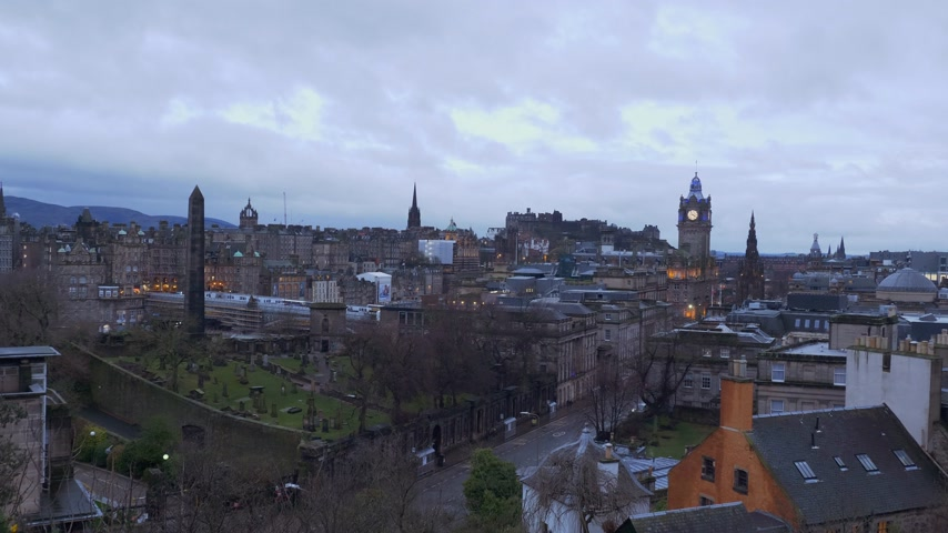 local de interesse : Aerial view over Edinburgh from Calton Hill - EDINBURGH, SCOTLAND - JANUARY 10, 2020 Stock Footage
