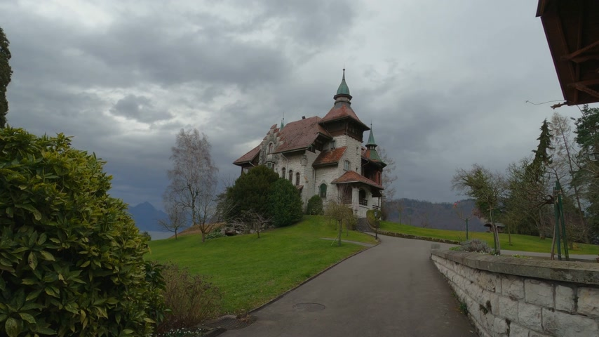 cisza : Beautiful little castle in the Swiss Alps - LUZERN, SWITZERLAND - FEBRUARY 4, 2020 Wideo