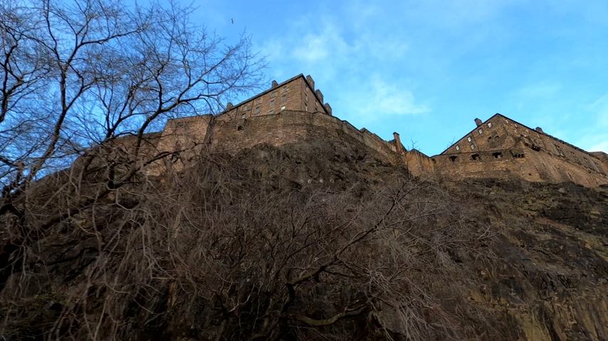 národní památka : Famous Edinburgh Castle on Castlehill - EDINBURGH, UNITED KINGDOM - JANUARY 11, 2020
