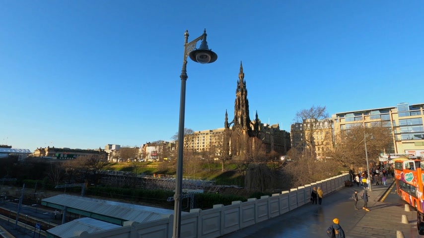 ilgi yeri : Cityscapes of Edinburgh the Scott Monument - EDINBURGH, UNITED KINGDOM - JANUARY 11, 2020