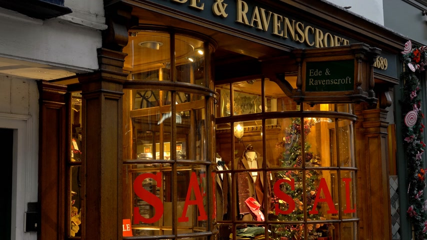 oxfordshire : Ede and Ravenscroft Store in Oxford - OXFORD, ENGLAND - JANUARY 3, 2020