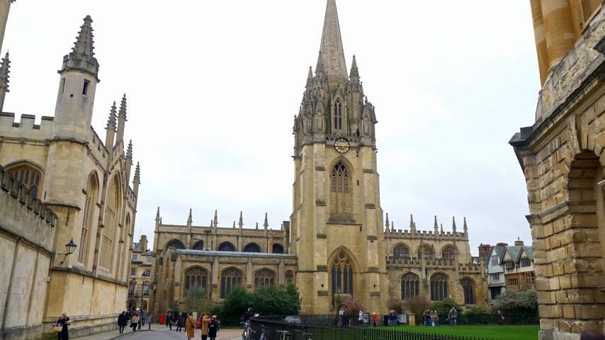 oxfordshire : Church of St Mary the Virgin Oxford England - OXFORD, ENGLAND - JANUARY 3, 2020
