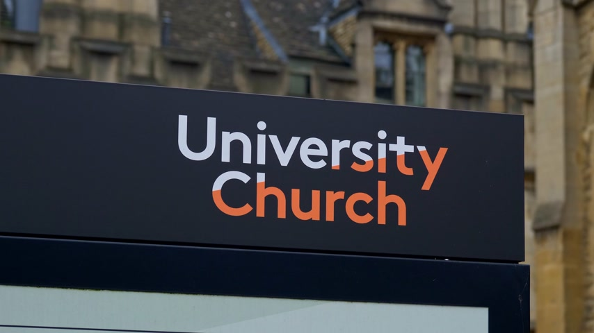 isis : University Church in Oxford in England - OXFORD, ENGLAND - JANUARY 3, 2020 Stock Footage