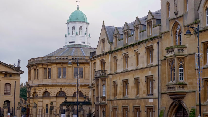 oxfordshire : Cityscapes of Oxford in England - OXFORD, ENGLAND - JANUARY 3, 2020