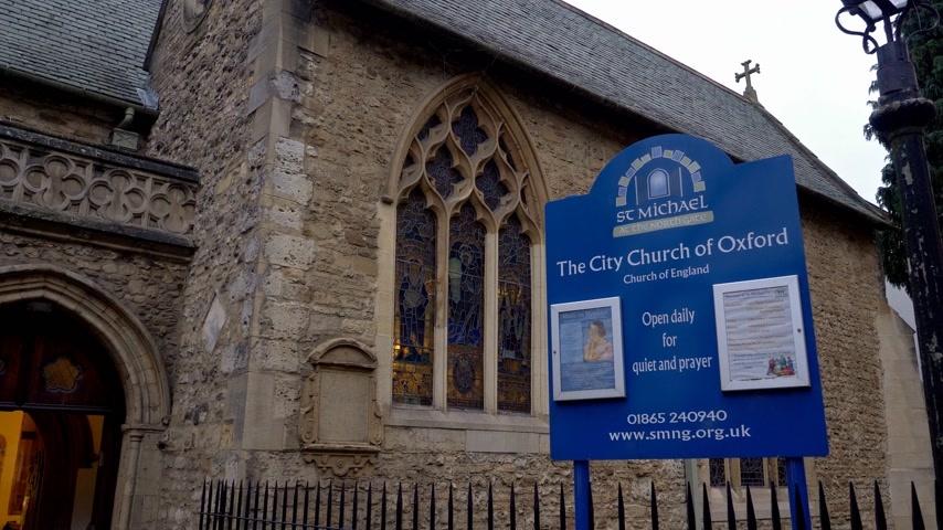 oszlopok : The City Church of Oxford - OXFORD, ENGLAND - JANUARY 3, 2020