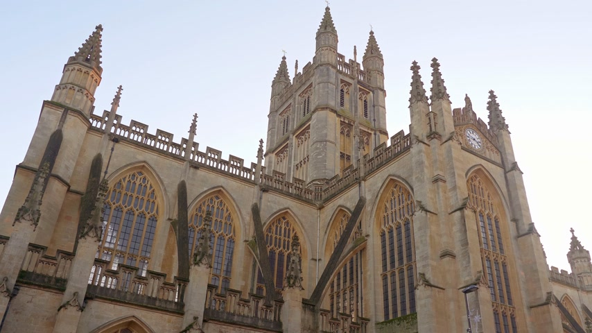 konzervált : Famous Bath Abbey in the city of Bath England - BATH, ENGLAND - DECEMBER 30, 2019