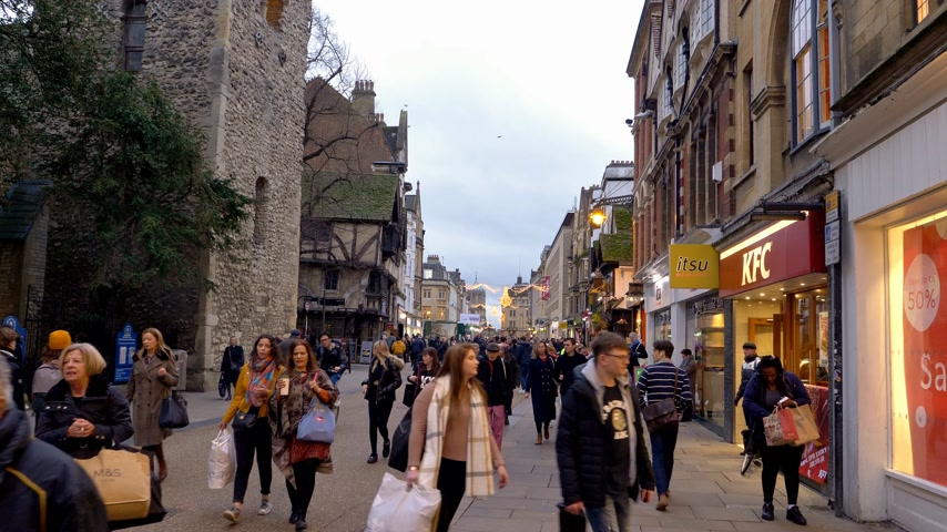 oxfordshire : Pedestrian Zone in Oxford England - OXFORD, ENGLAND - JANUARY 3, 2020