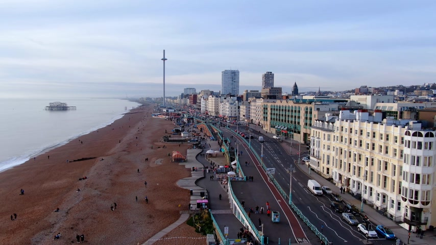 hilâl : City of Brighton from above - beautiful aerial view - BRIGHTON, ENGLAND, DECEMBER 29, 2019 Stok Video