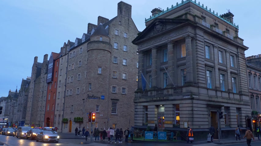 interessi : The Inn on the Mile and Radisson Hotel in Edinburgh - EDIMBURGO, SCOZIA - 10 GENNAIO 2020 Filmati Stock