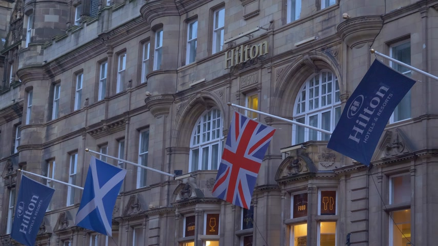Hilton Hotel Edinburgh Old Town - EDINBURGH, SCHOTLAND - 10 JANUARI 2020 Stockvideo