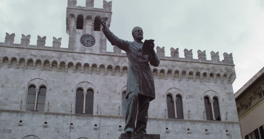 Giusepe Mazzini Monument on Italian Street Wideo