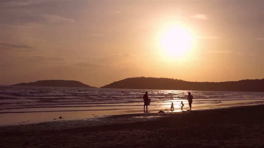 Evening Happy time at Chonburi beach, Thailand Stock Footage