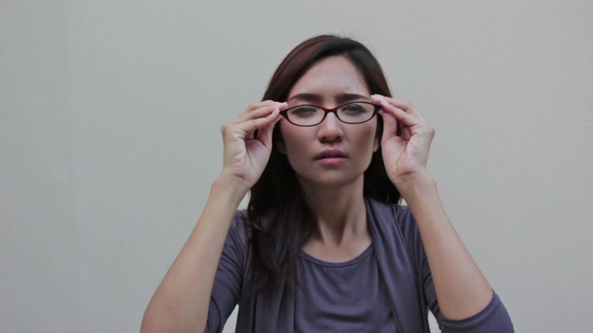 amblyopia : woman with eyeglasses and poor vision