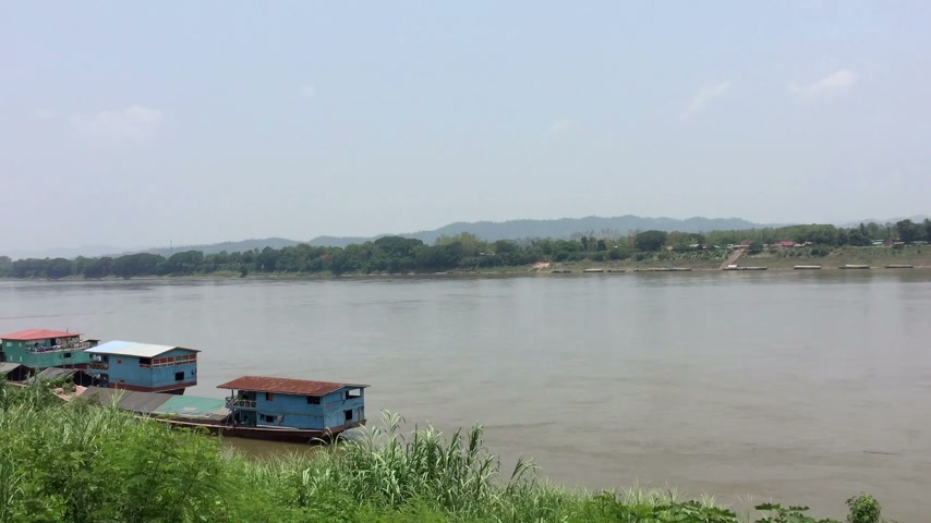 binário : time lapse Khong river on the side of Thailand Stock Footage