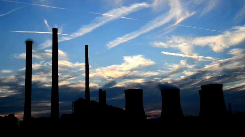 дымоход : silhouette of power station, time lapse,