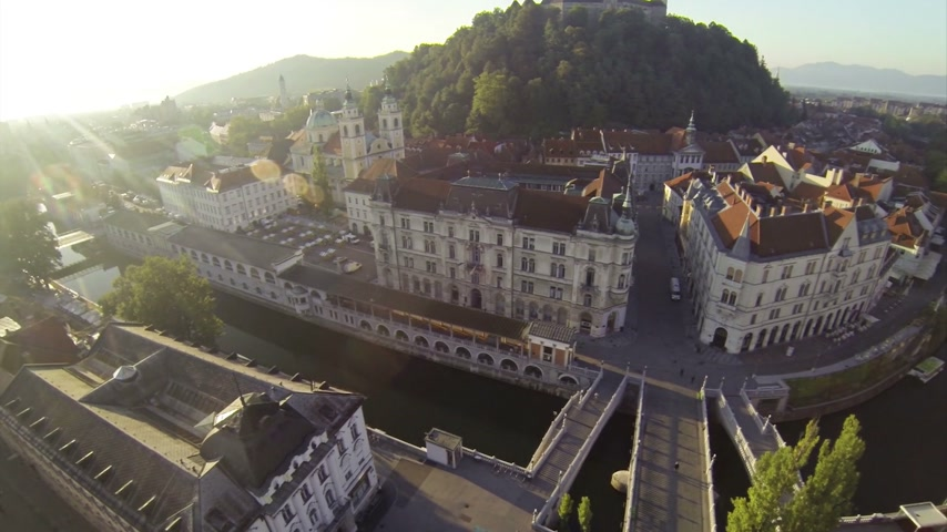 slovinsko : Two scenes of camera motion above Ljubljana. View on a picturesque city center.