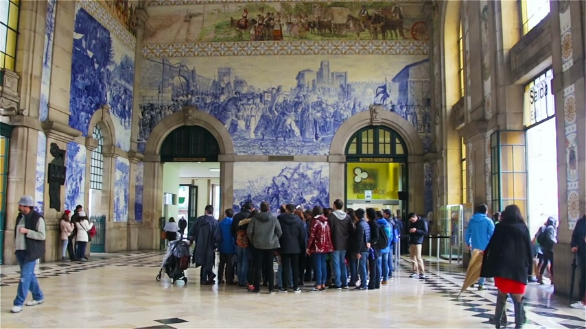 cobalt : Porto, Portugal - January, 18: Group of tourists at the railway station. Stock Footage