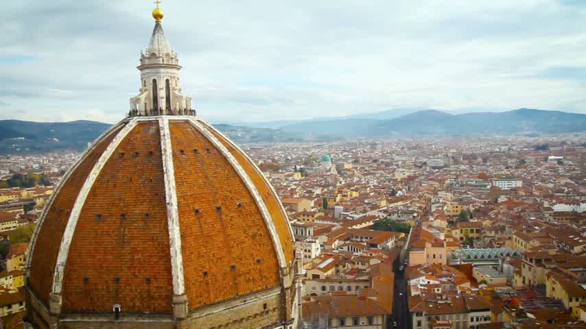 firenze : Beautiful Florentine landscape. Santa Maria del Fiore and the red roofs of Florence, Italy