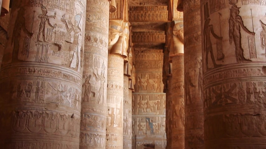 nil : Beautiful interior of the Temple of Dendera or the Temple of Hathor. Egypt, Dendera, Ancient Egyptian temple near the city of Ken.
