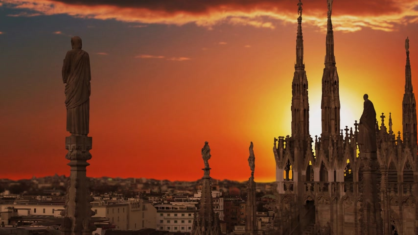mármore : Milan Italy, view of the city from the terrace of the Duomo.