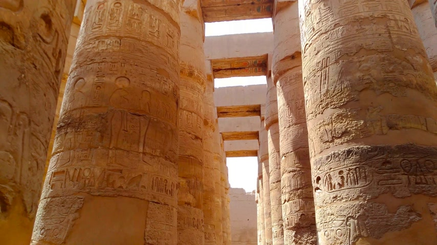 kahire : Ruins of the beautiful ancient temple of Karnak in Luxor