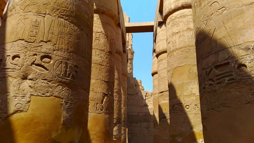 starožitnosti : Ruins of the beautiful ancient temple of Karnak in Luxor