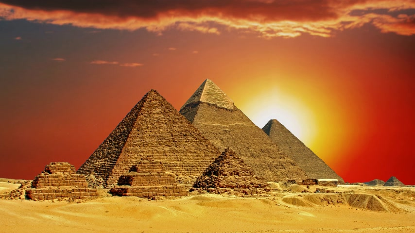 faraon : Ancient Egyptian pyramids, symbol of Egypt.