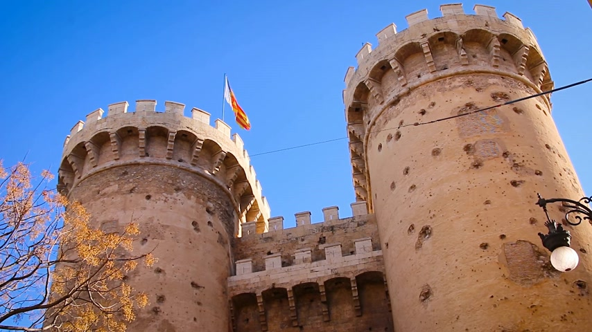 Валенсия : Defensive towers Quart in the historic center of Valencia