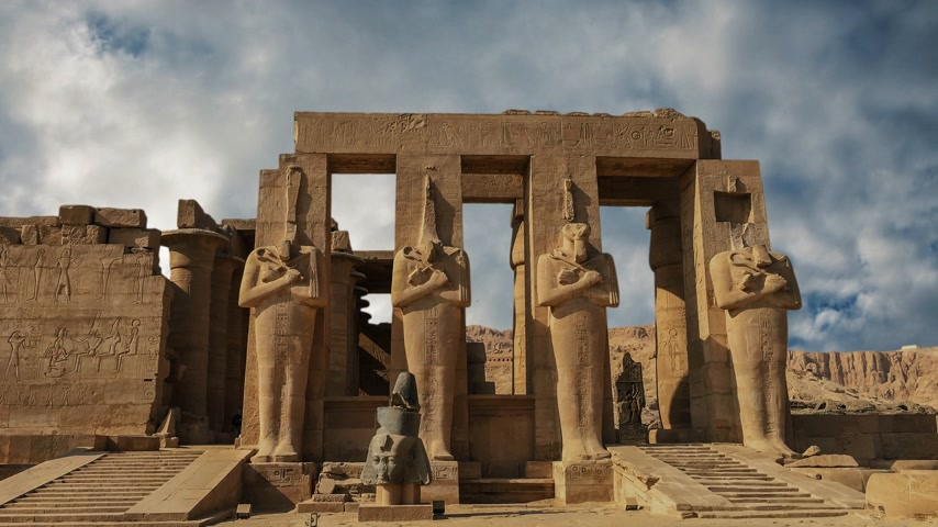 esculpida : Ruins of the beautiful ancient temple of Karnak in Luxor